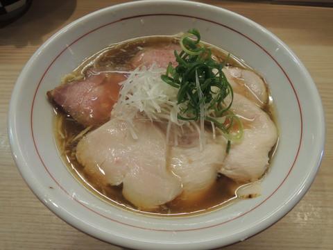 鶏そば(750円)