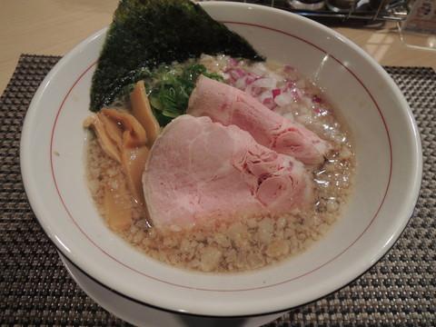 背脂煮干そば(750円)