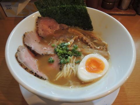とりとんこつラー麺(750円)
