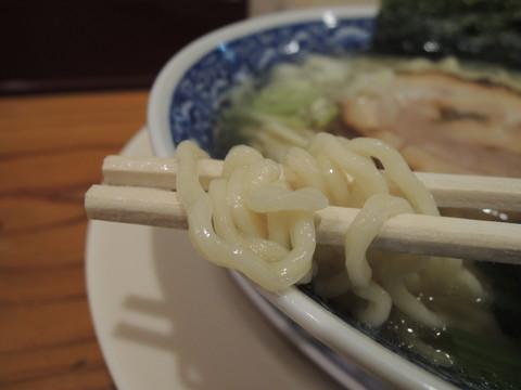 天然塩らーめん 並の麺