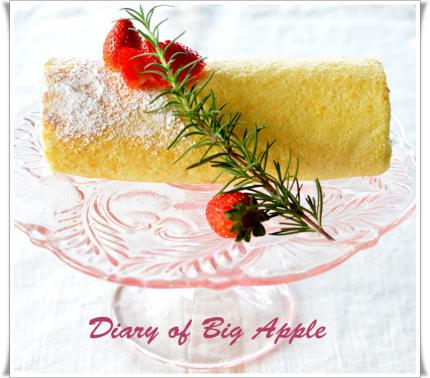 苺のロールケーキ