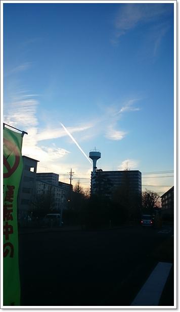 和光市の飛行機雲