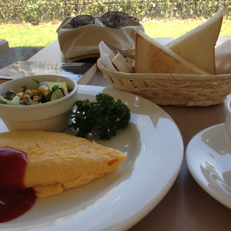 松本楼のオムレツ朝食