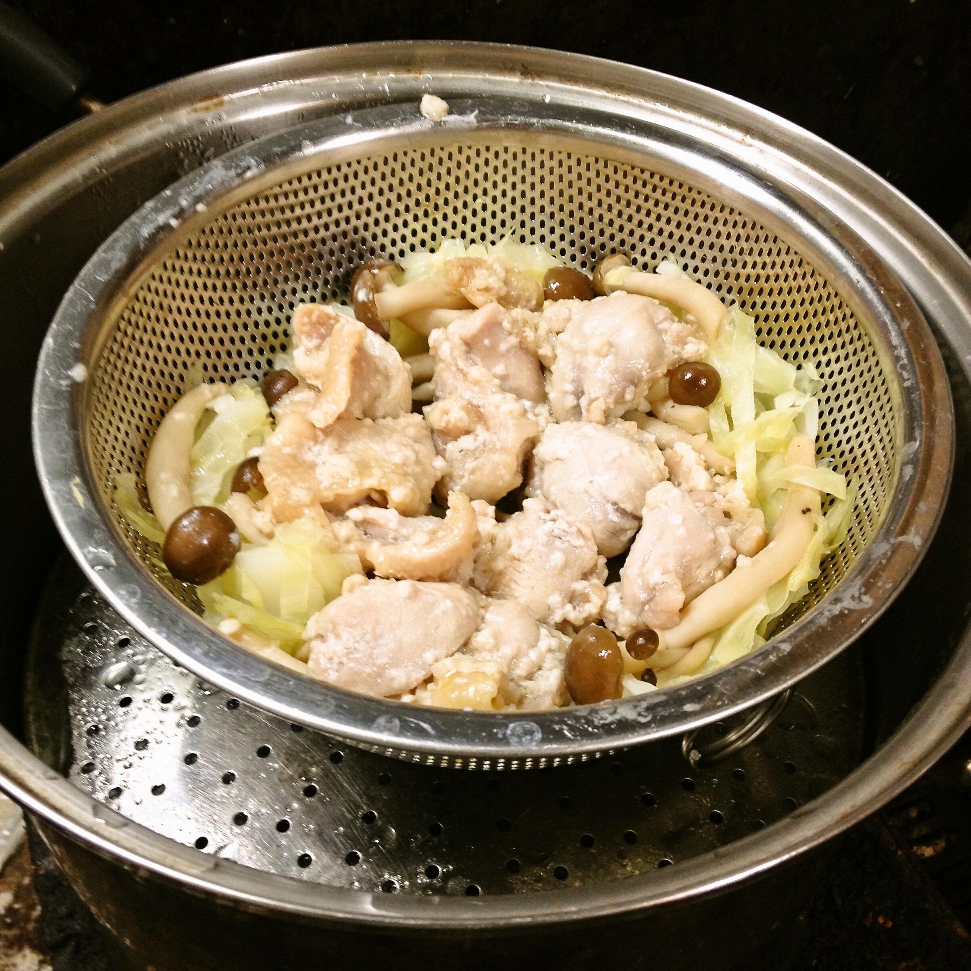 鶏肩肉塩麹蒸し