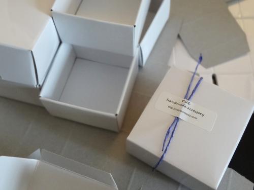 アクセサリーボックスを組み立て