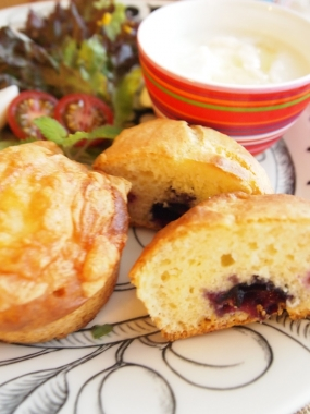 blueberry muffin & cheese muffin