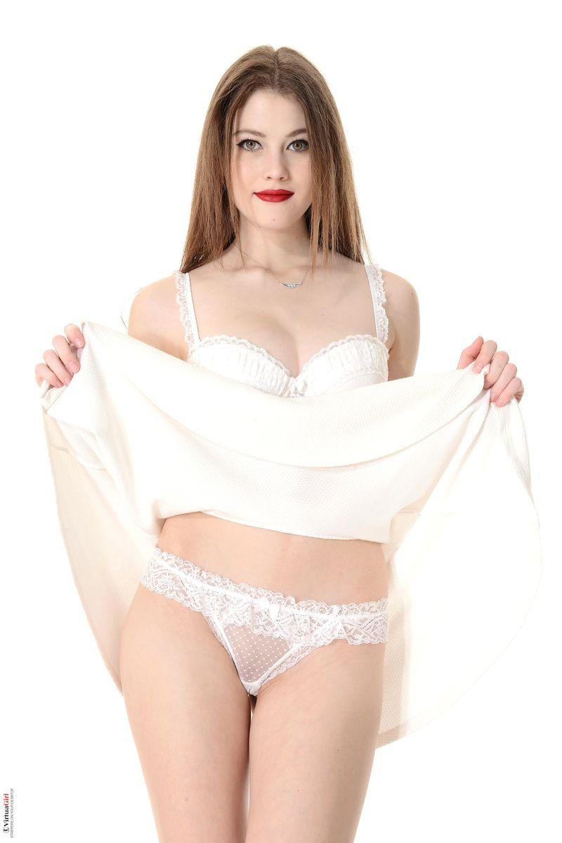 Heidi Romanova - VOGUE 01