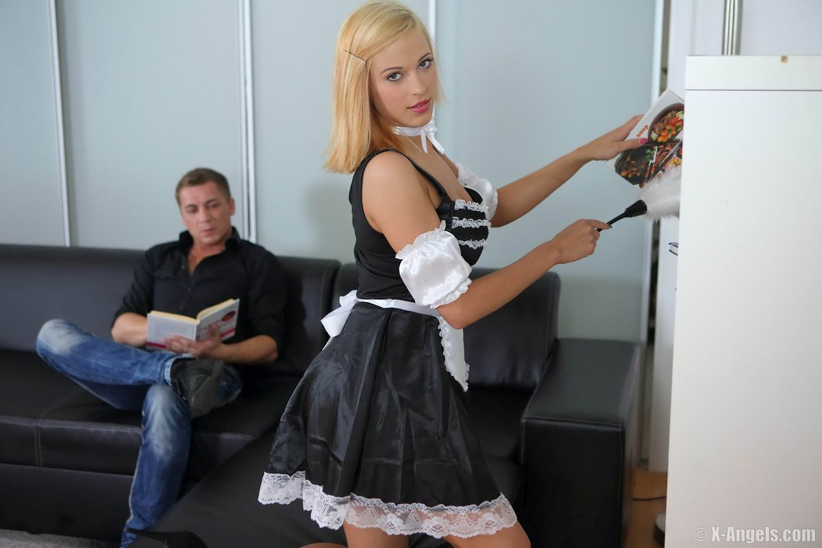 Isabell - FRENCH MAID FUCK 01