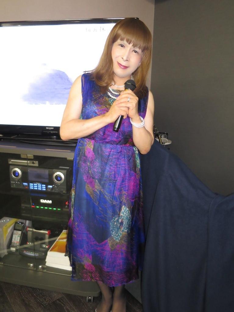 青紫シフォンドレスカラオケ(7)