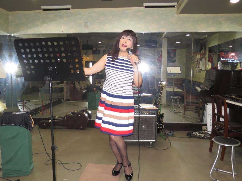 マルチボーダーワンピ歌練習(1)