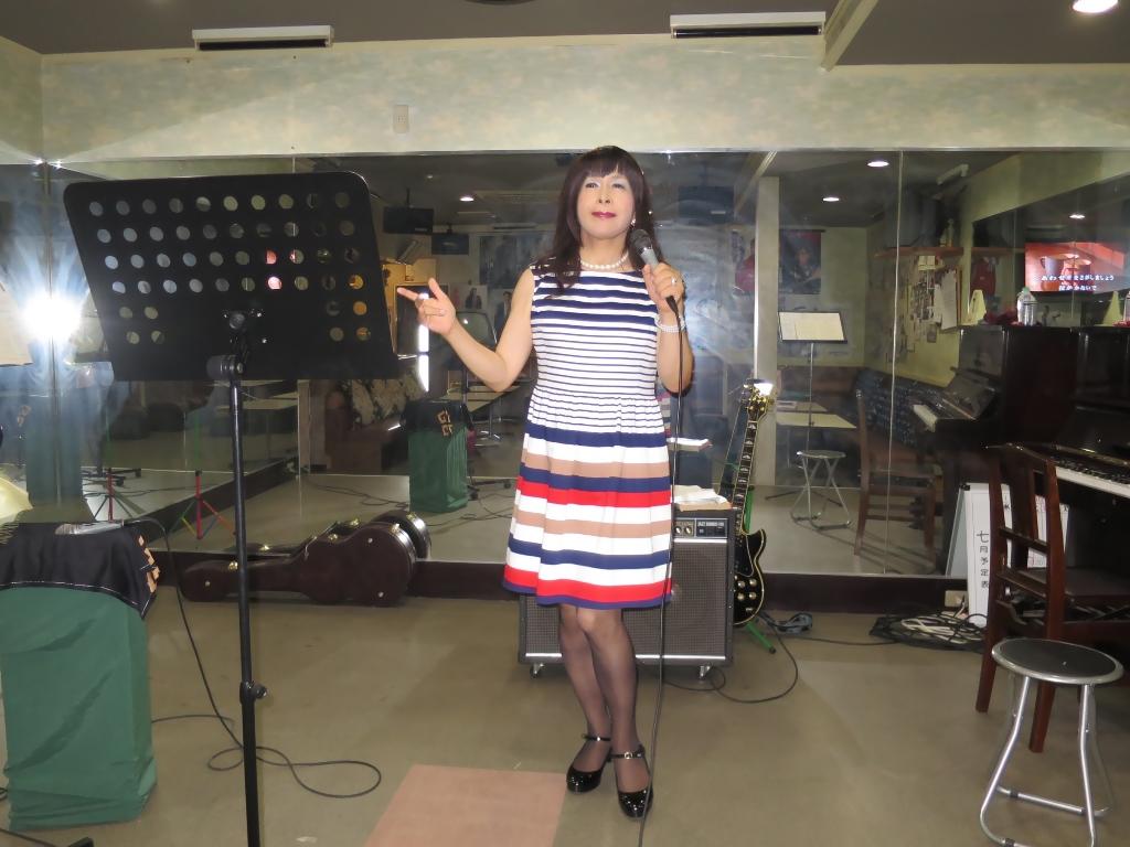 マルチボーダーワンピ歌練習(2)