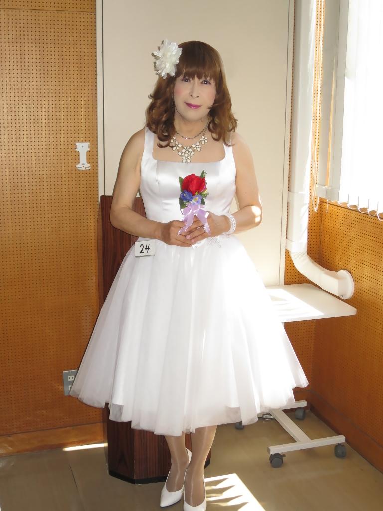 白ショートドレス控室(1)
