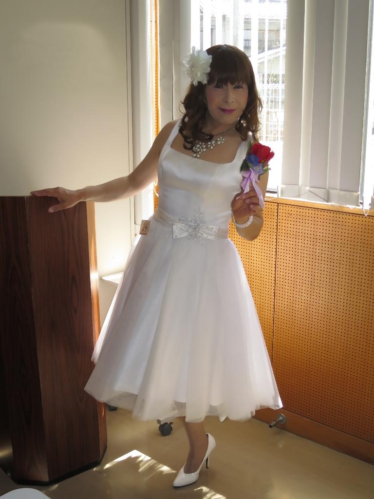 白ショートドレス控室(3)