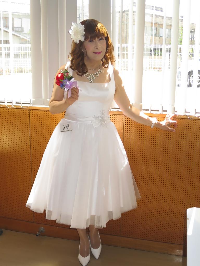 白ショートドレス控室(4)