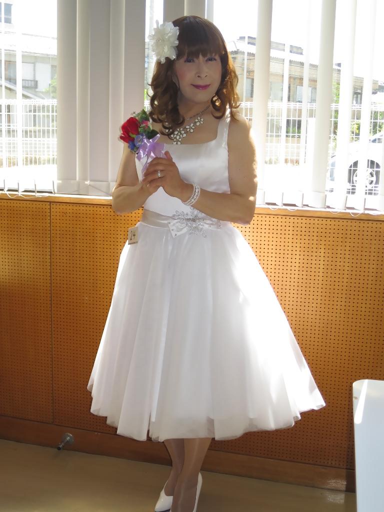 白ショートドレス控室(5)