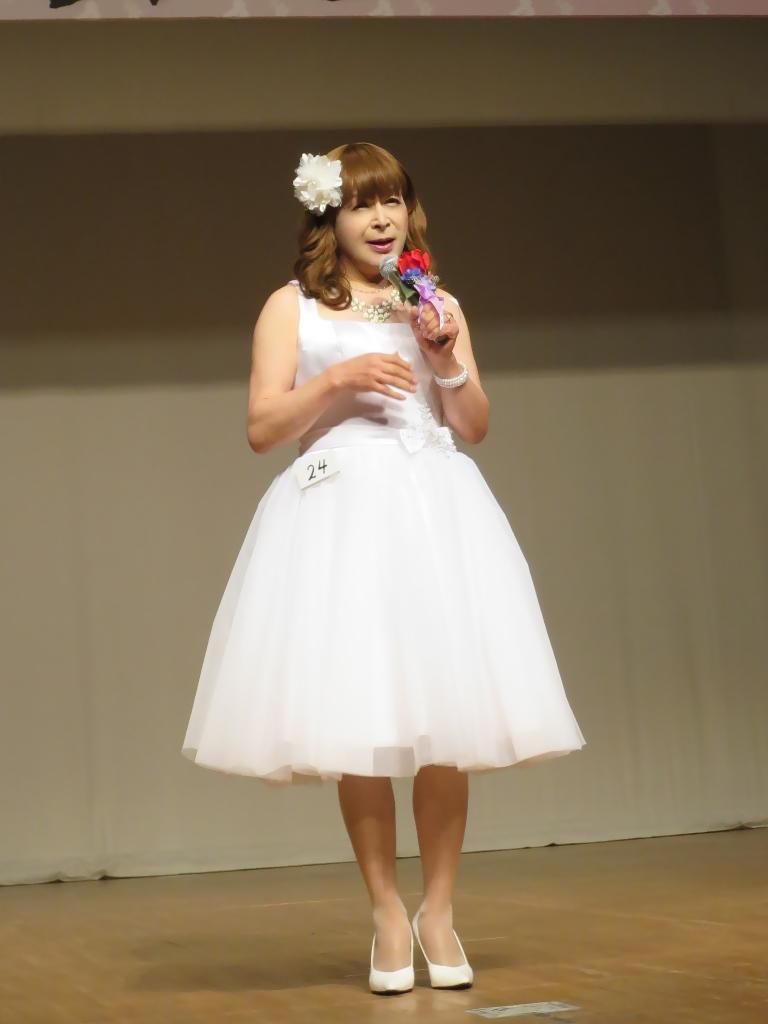 白ショートドレス舞台(3)