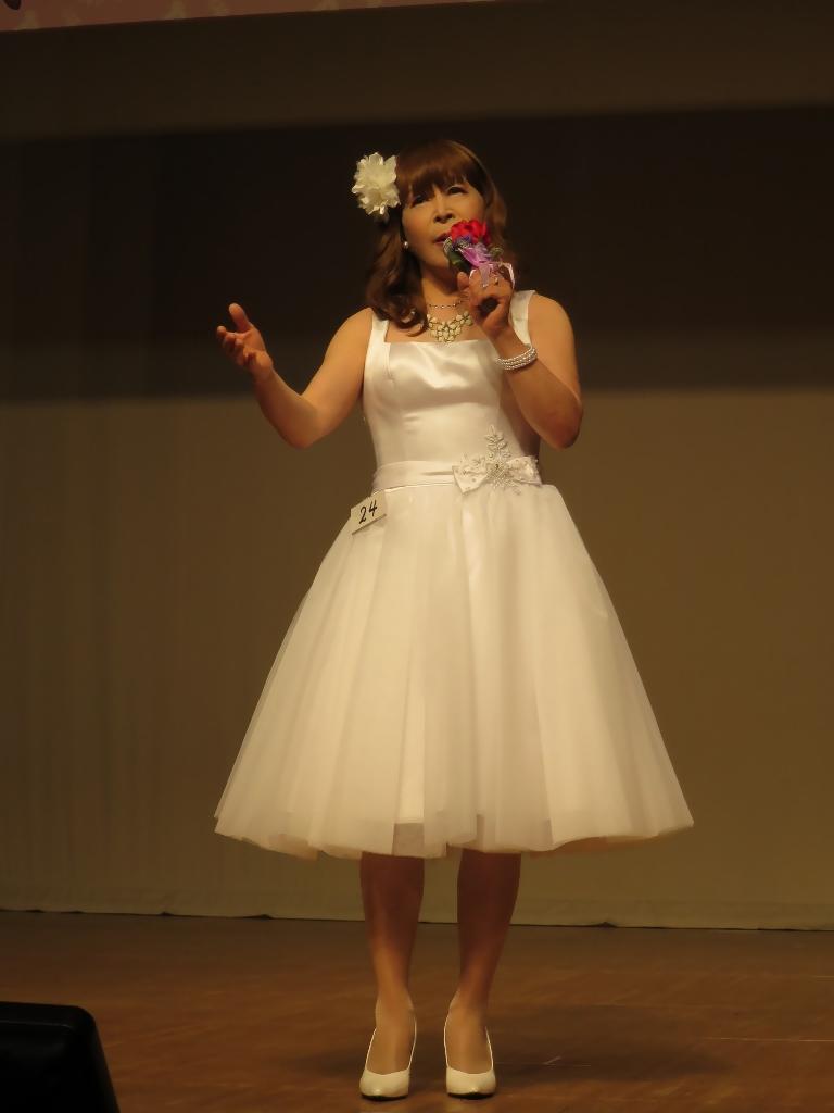 白ショートドレス舞台(9)