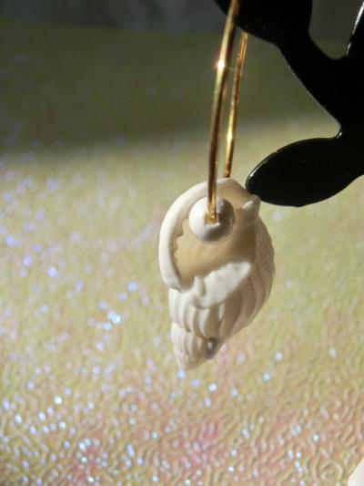 貝殻ピアス1
