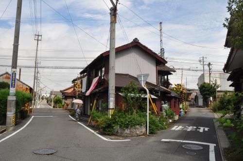 家と線路①