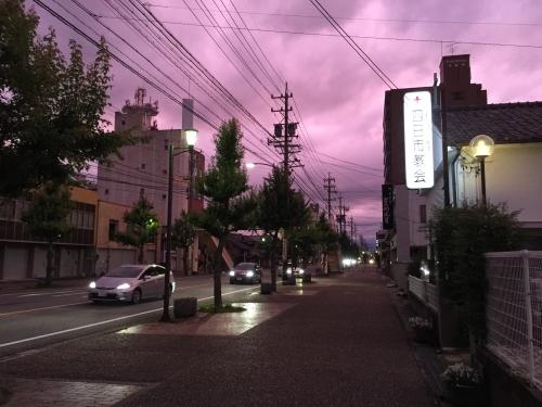 薄紫の日暮れ