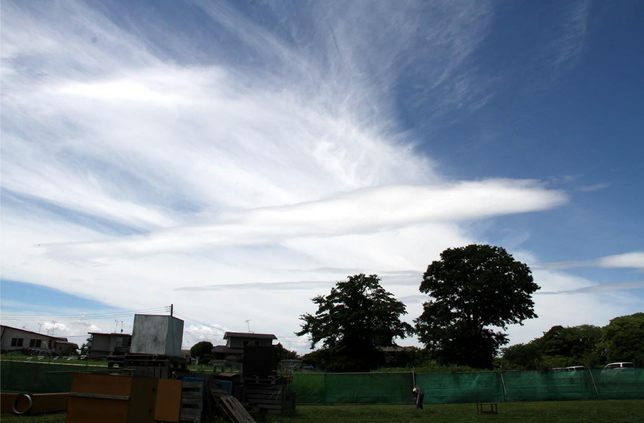 交差する雲(2)