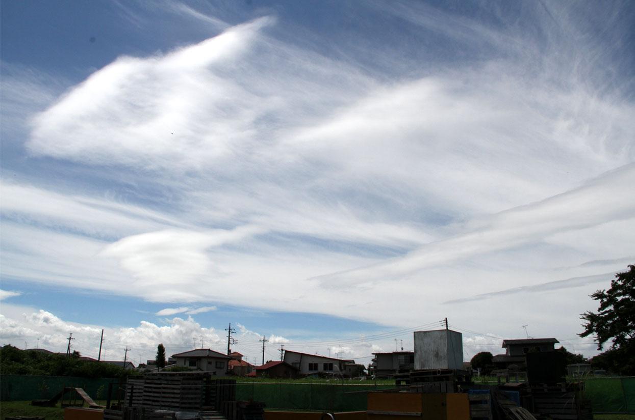 交差する雲(3)