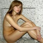 ロシアの素人美少女が初めてヌードモデルになったヌード画像