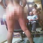 モスクワで女性店員が全裸になると噂の理髪店を警察が潜入調査で盗撮【動画あり】