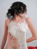 スレンダー美乳人妻 プライベートヌード画像 1