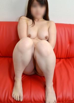 日本ぽっちゃり系素人美女 ヌード画像 8