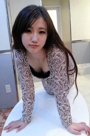 Aカップ微乳アジア系美女 ヌード画像 2