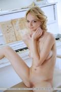 Edita Recna Nude 4