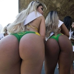 「Miss Bumbum Brasil(ミス・ブンブン・ブラジル)2015」の各州代表が美尻をアピールするプロモーション
