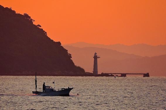 満珠島灯台
