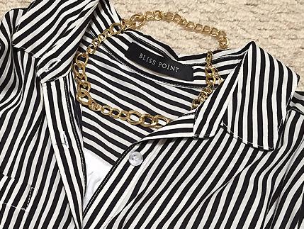 ネックレスは短いものをチョイス