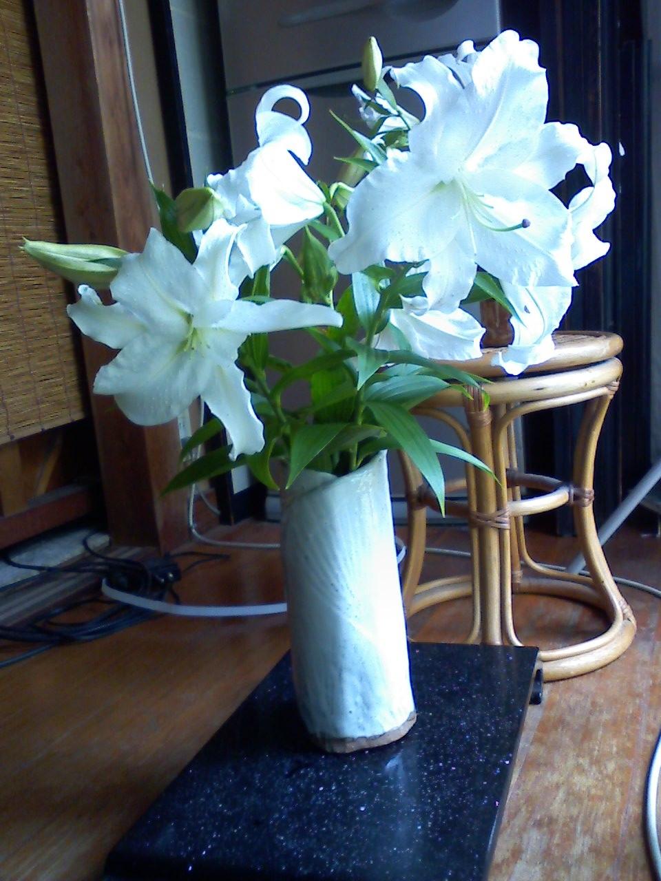 カサブランカの花瓶