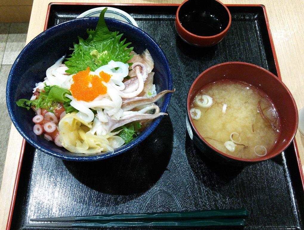 ③常陸漁港丼