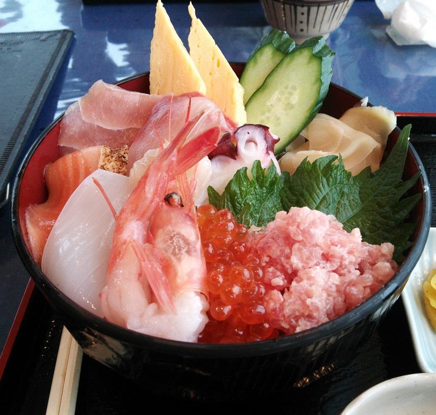 ⑥海鮮丼近景