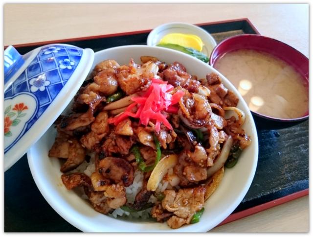 青森県 弘前市 東目屋 食堂 ランチ グルメ 白神飯店 味噌ダレ肉丼 特製