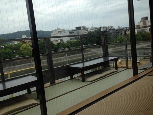 先斗町卯柳(うりゅう)2F座敷から_H27.07.08撮影