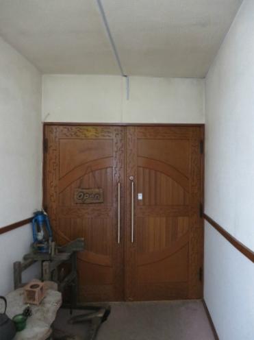 この扉の向こうは・・・