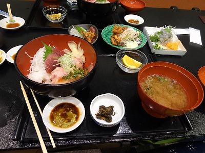 清水市の海鮮丼 1