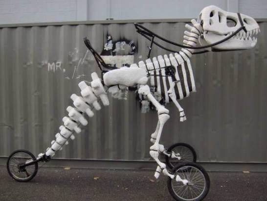 恐竜のバイク03