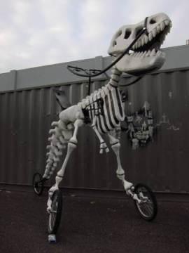 恐竜のバイク04