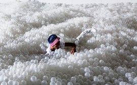 ポリエチレンボールの海04
