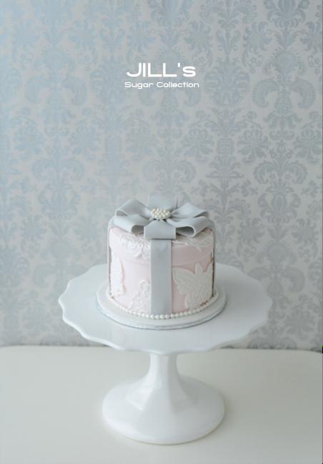 lace box cake