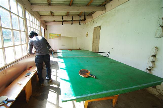 アルティンアラシャンの宿で卓球! (1)_R