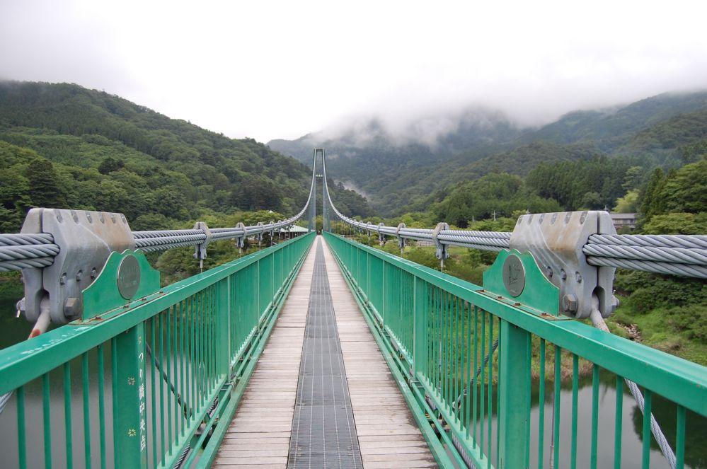 もみじ谷吊り橋中央付近