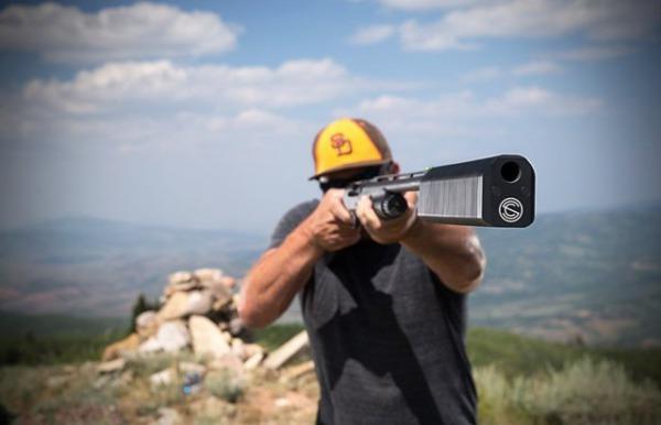 アメリカで銃消音装置の登録件数が1年で38%増