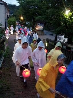 雨の中、元気に町会を廻りました。